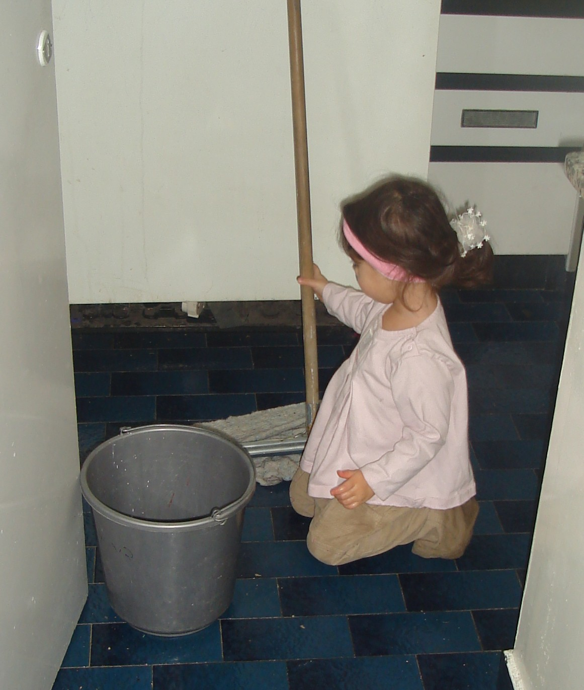 esther-cleaning.JPG